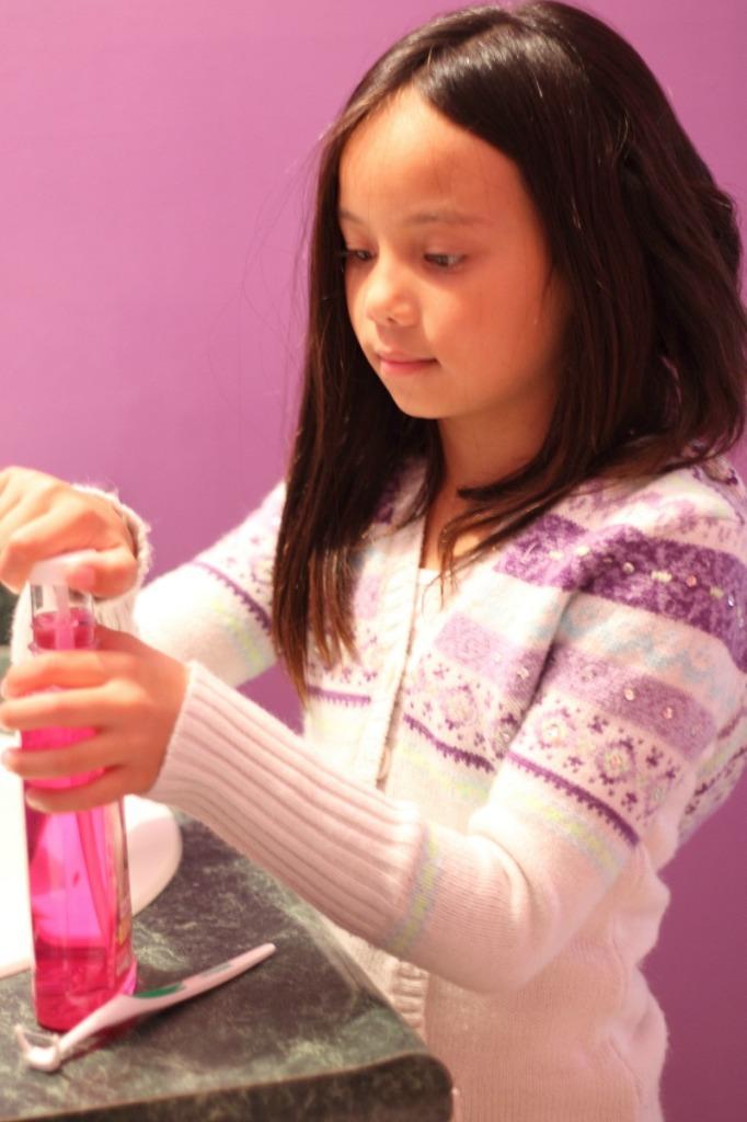 Listerine Barbie Smart Rinse